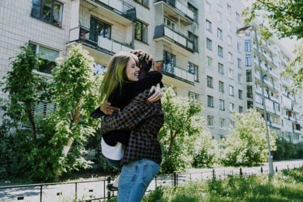 spin hug