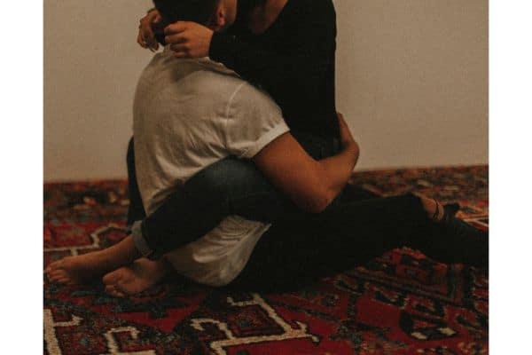 straddle hug